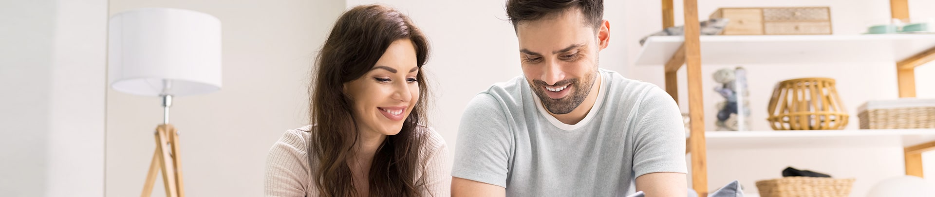 Paar sucht Immobilien